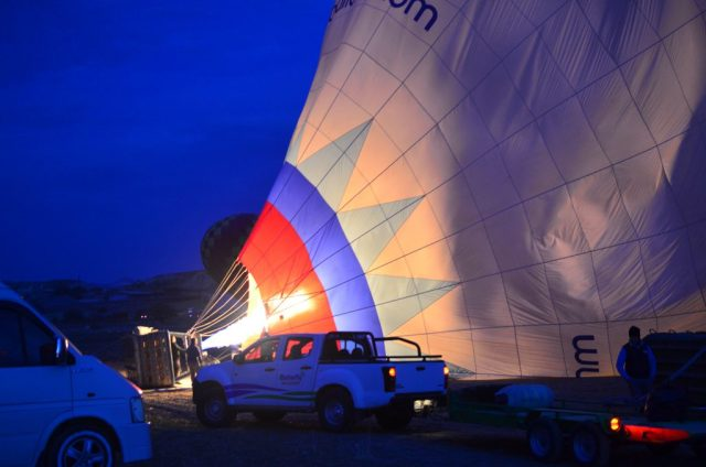 Our pilot Ziya, preparing the hot air balloon