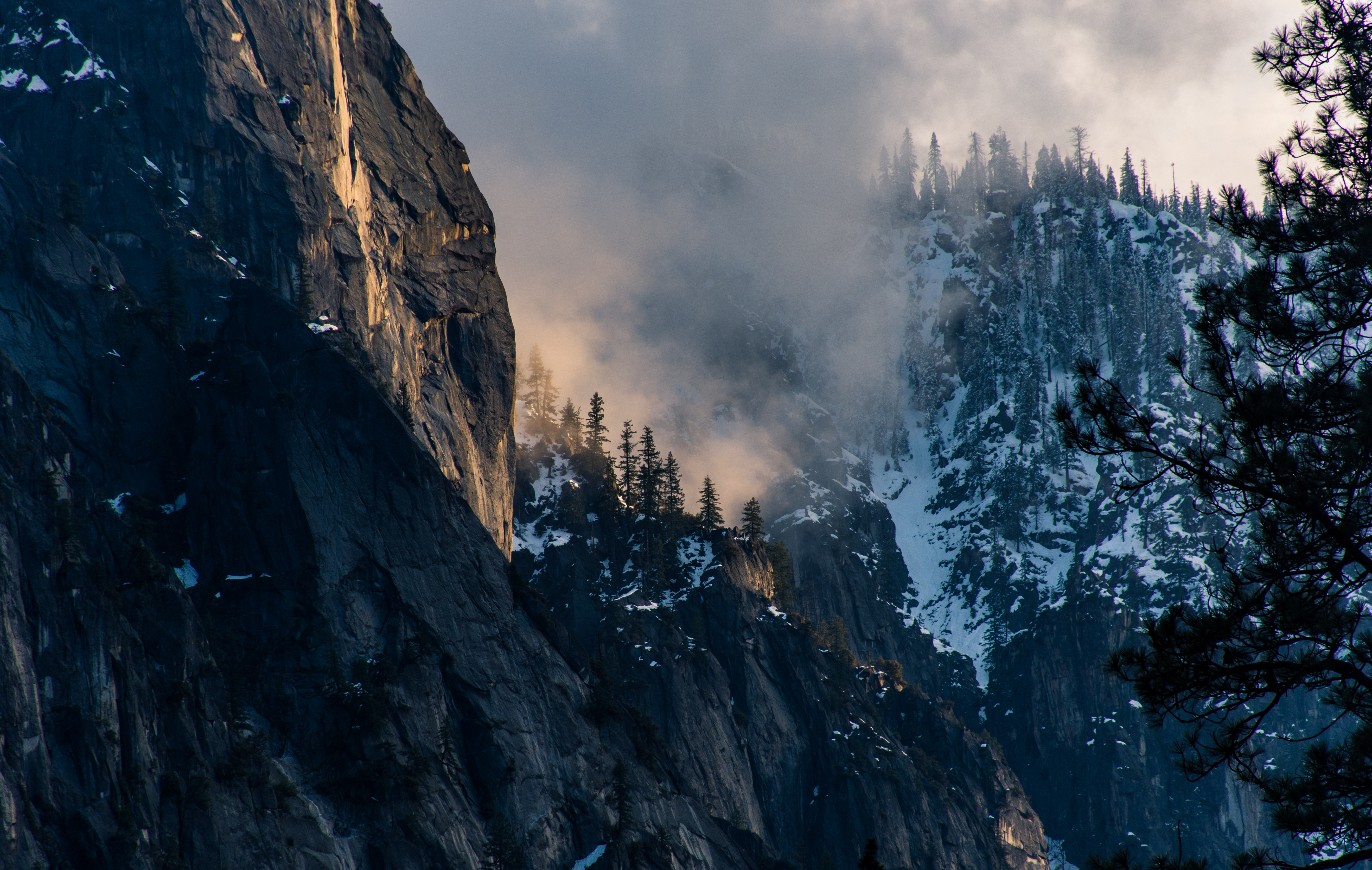 Golden hour landscapes of Yosemite